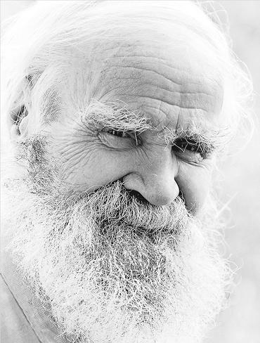 Голеньких жен старые люди эрофото муж подглядывает