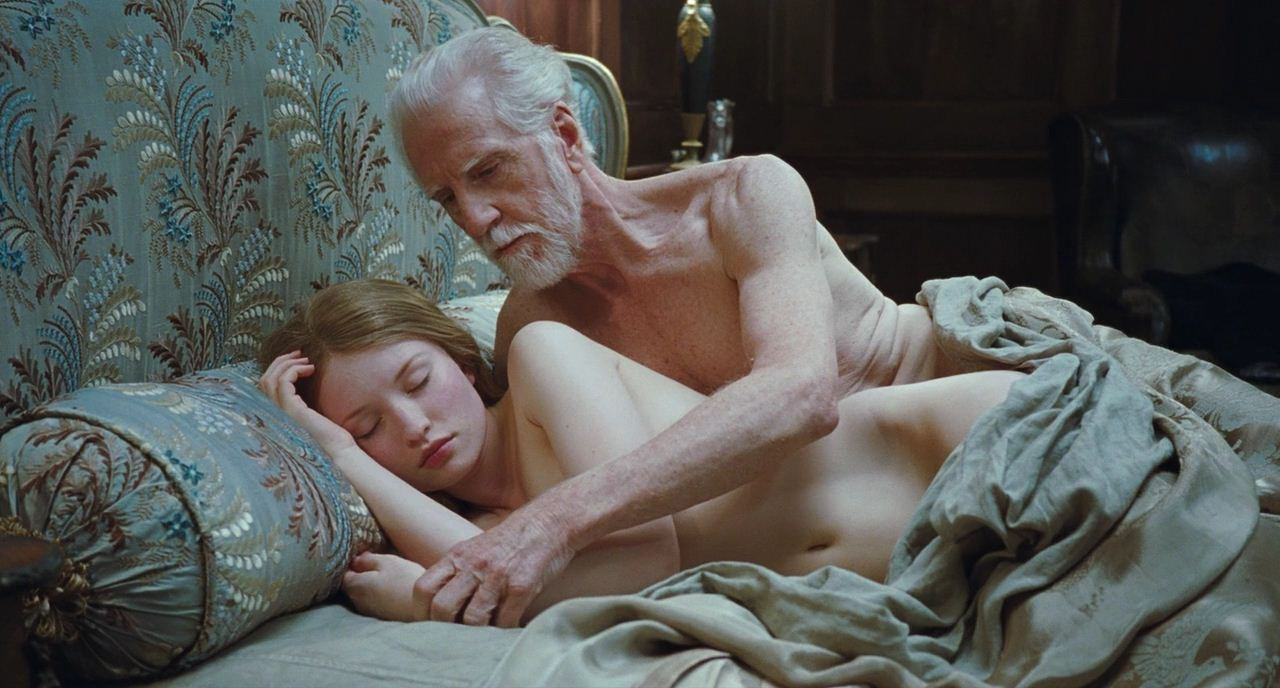 Новенькое, эротический фильм спящая красавица принимаю. Тема