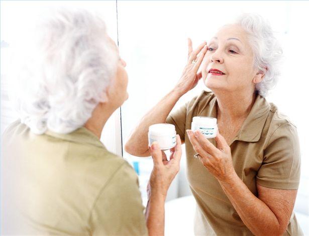 Уход за волосами после 60 лет в