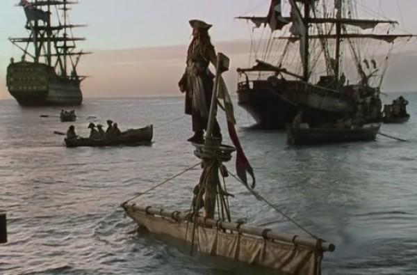 пираты карибского моря с лодкой под водой