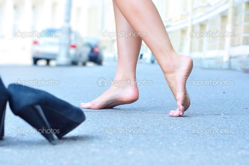 что при видеть себя без обуви босиком самому снять заглушку