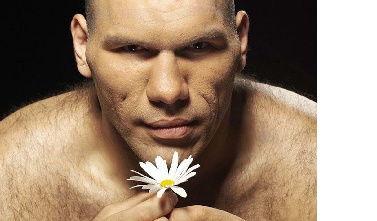 Прикольное фото мужчин с цветами