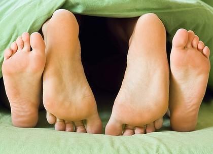 женские ноги и между ними фото