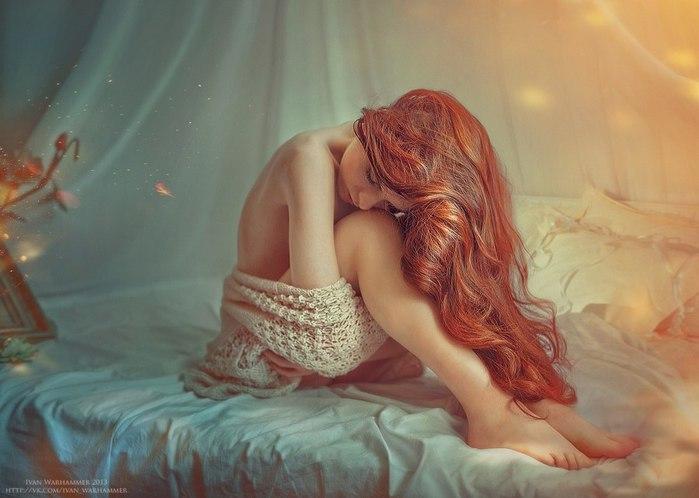 художественная фотография девушка в постели с девушкой