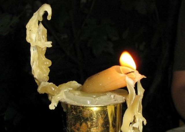 купить свеча при молитве коптит и плачет если