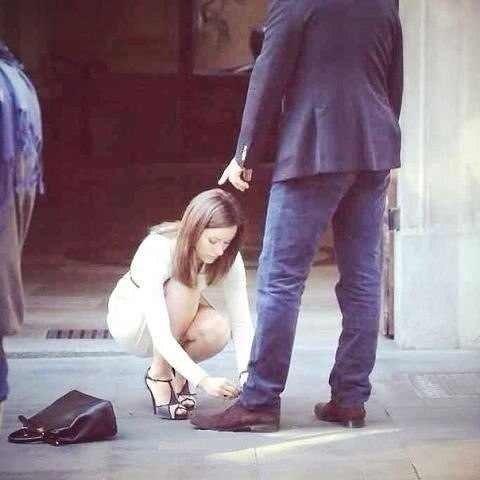 унижение женщин фото