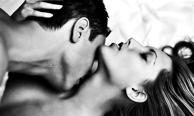 поцелуи в грудь фото