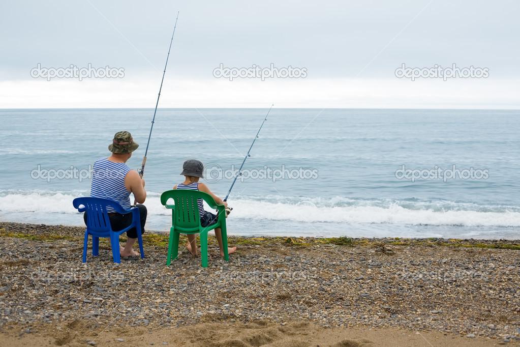 дед с внуком на рыбалке фото