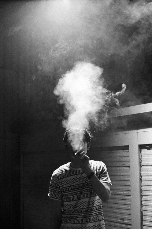 Фото парней с сигаретами на аву