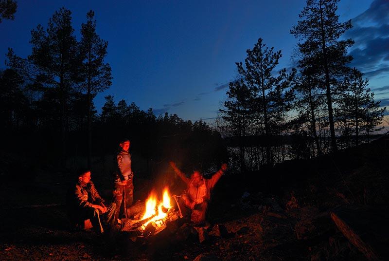 ночная рыбалка у костра