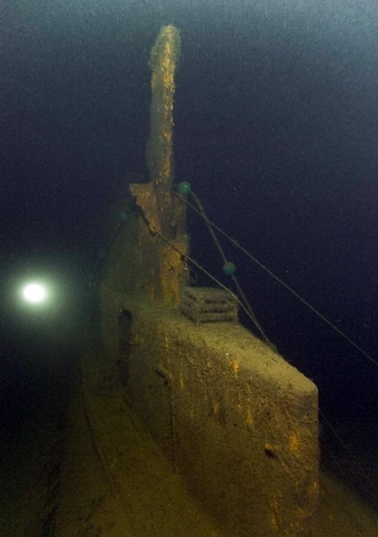 затонувшая подводная лодка с моряками