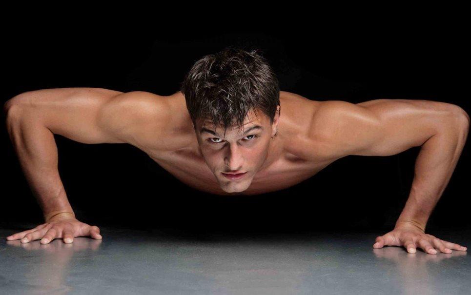 фото голой тренировки парней гимнастов