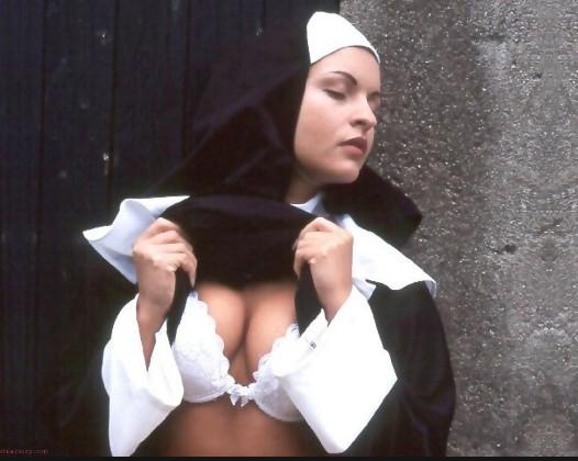 развратные монашки фото