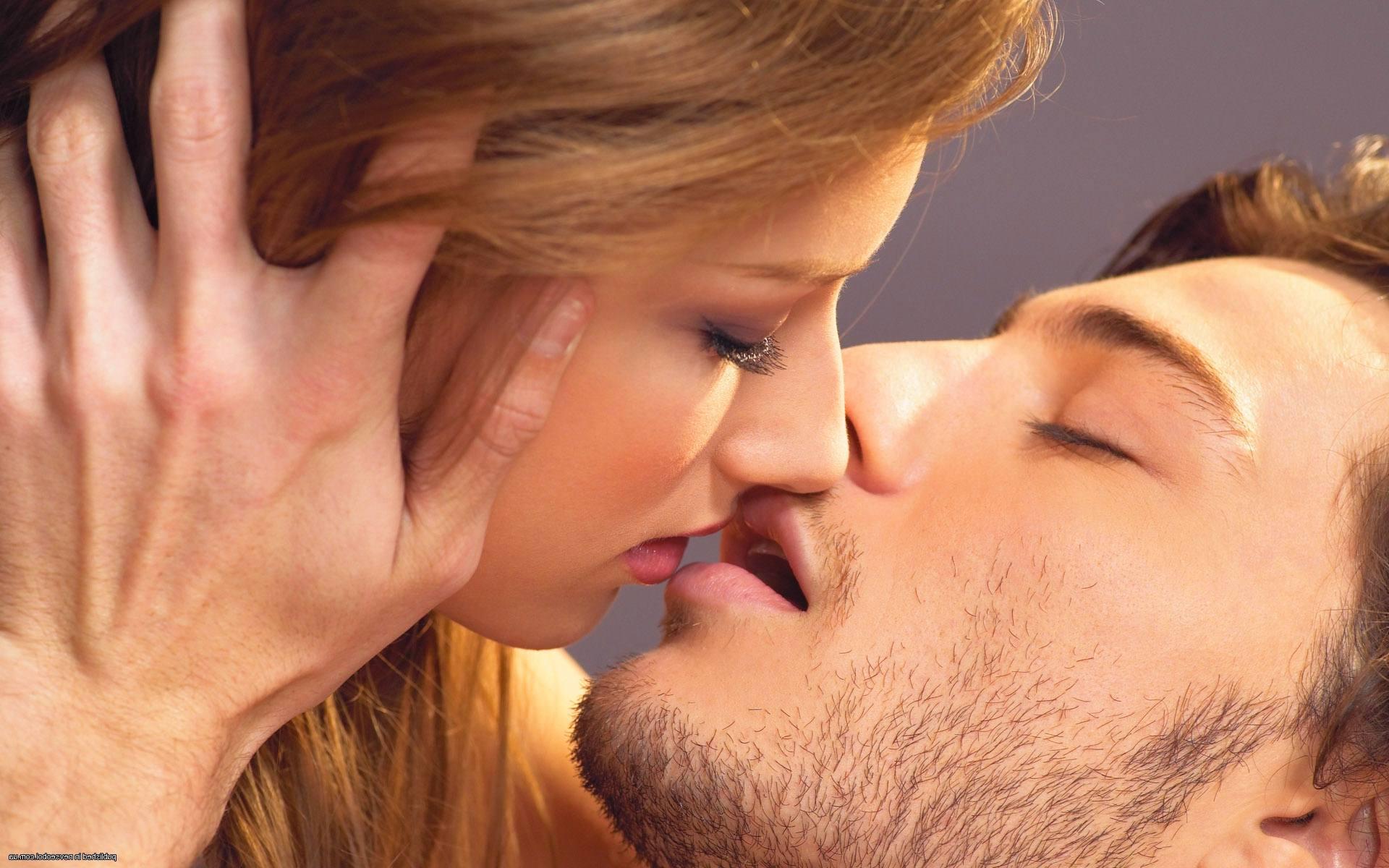 Поцелуи в картинках женщине