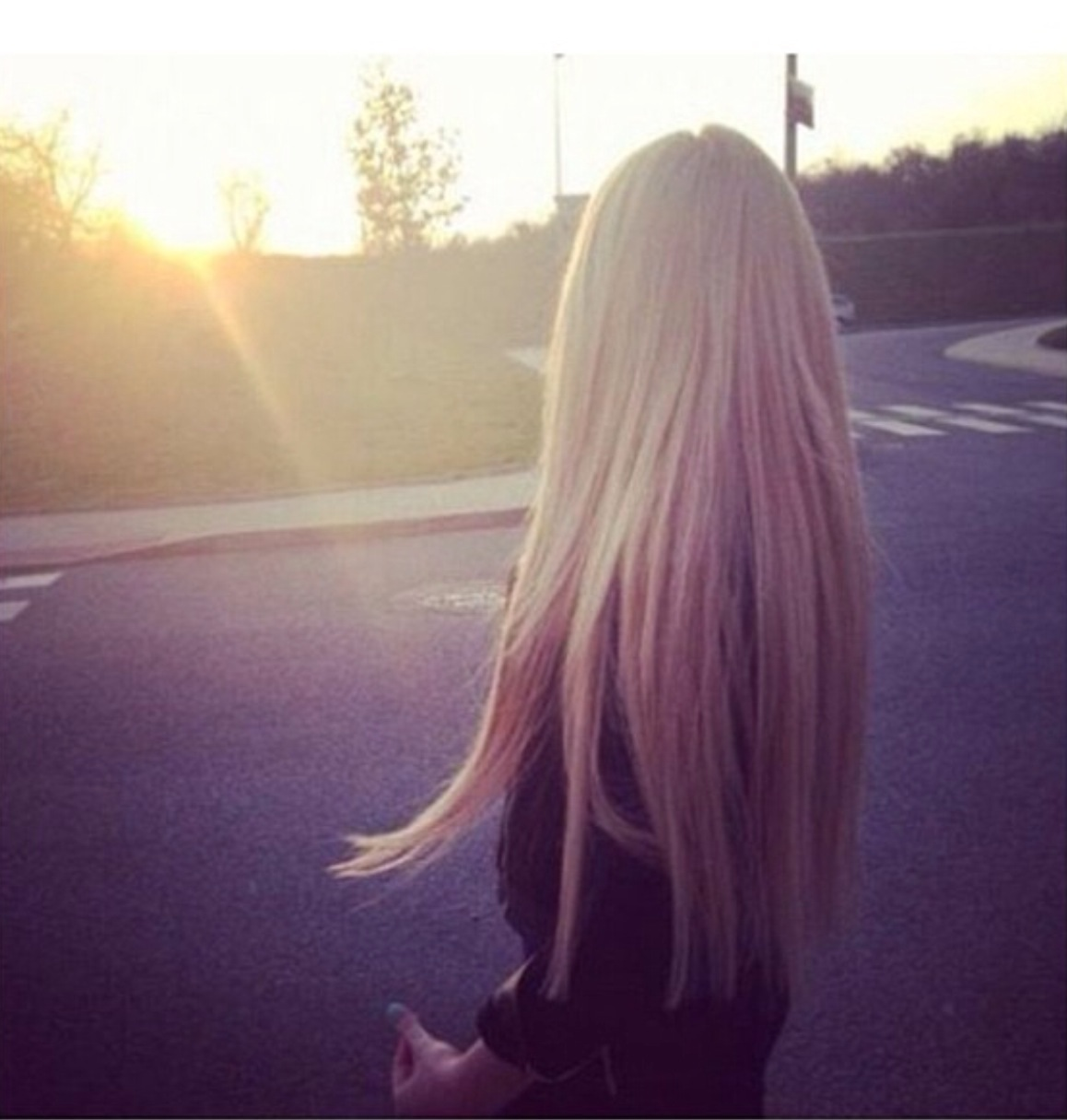 Фото на аву без лица для девушек с длинными светлыми волосами