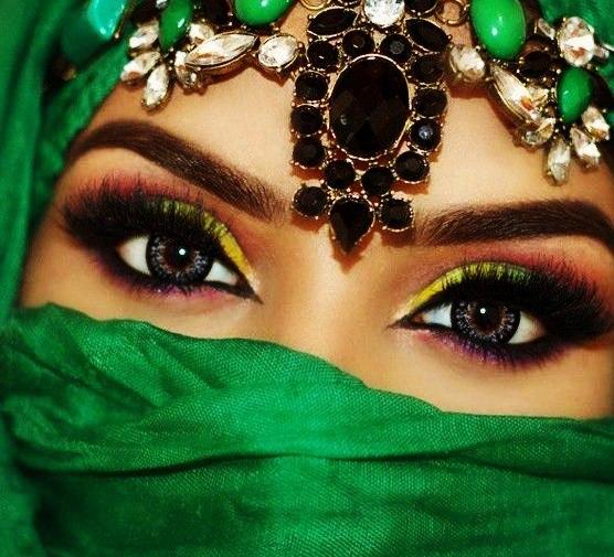 Мусульманские женщины и макияж