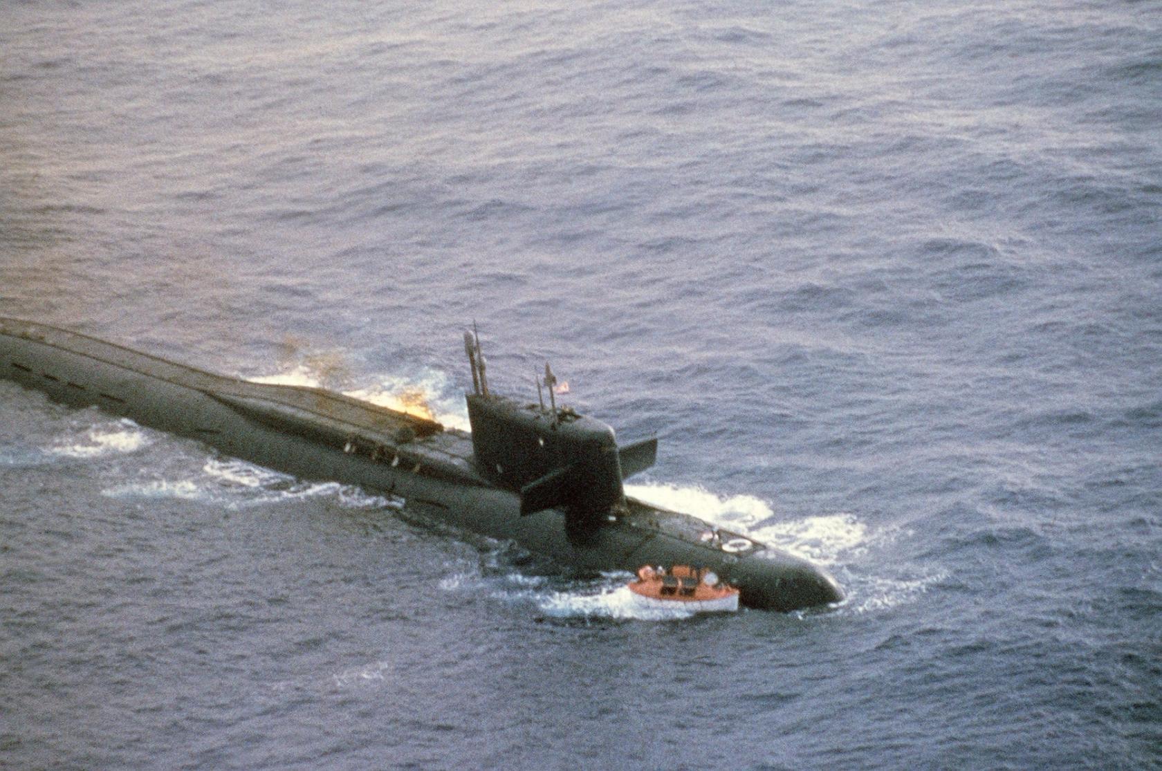 авария сверху подводной лодке для 219