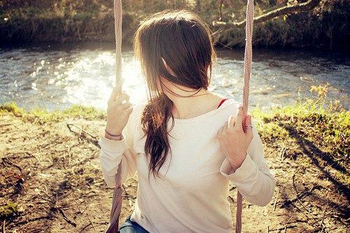 Фото на аву для девушек со спины весна