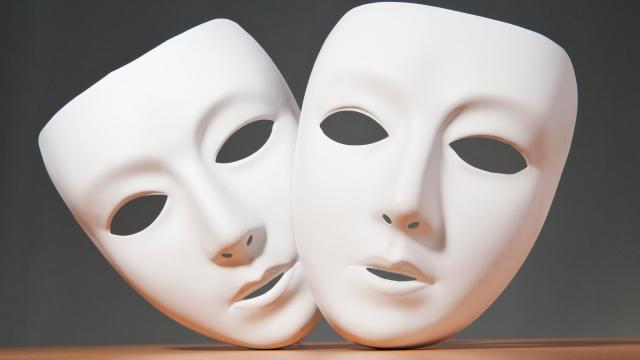 hamlet masks we wear