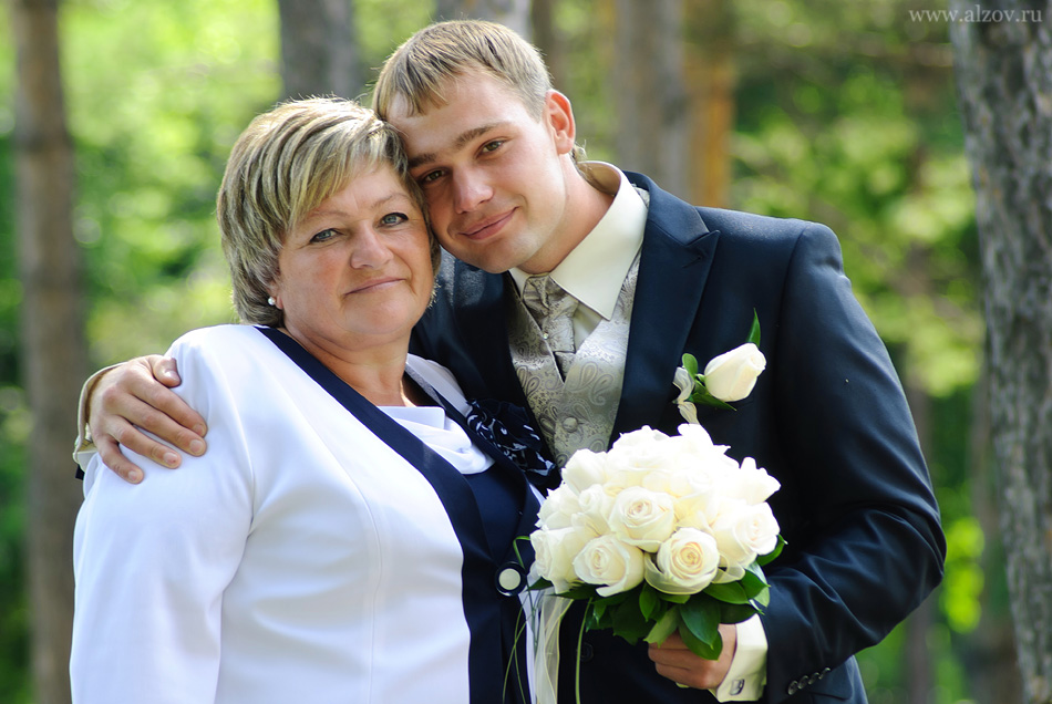Видео сын маме делать интимный прическа фото 601-992