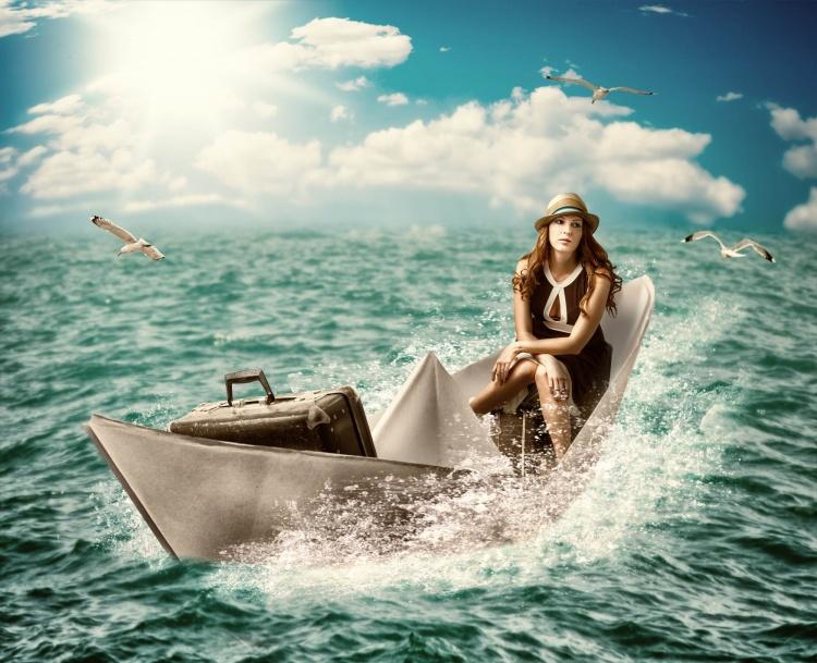 две лодки находящиеся на спокойной воде
