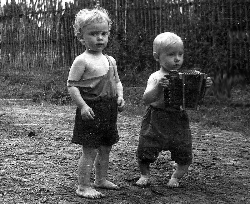 Мальчику, картинки веселое детство с надписями