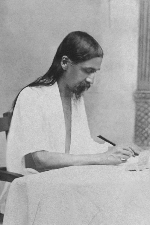 essays gita aurobindo ghosh Birth and parentage on thursday, the 15th august, 1871, at about 5 am, sri aurobindo was born of sri krishnadhan and swamalata, at calcutta, in bengal, in a reputed ghosh family of konnagar.