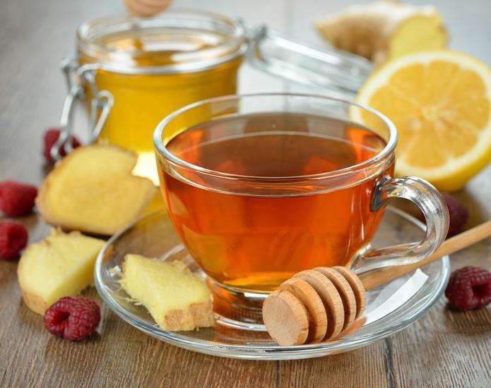 Чай с лимоном и мёдом фото