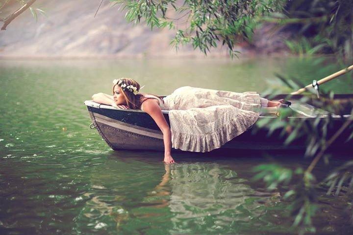 что значит плыть по реке на лодке