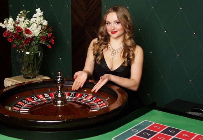 Казино стихи казино магазин платьев набережные челны
