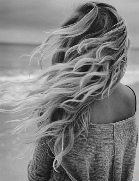 Фото девушек со спины на аву чёрно белые