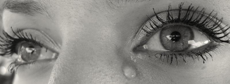 Картинки анимация со слезами на глазах