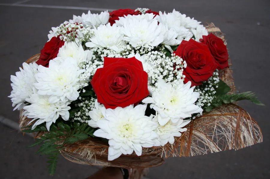 Как сделать букет из розы и хризантемы 148