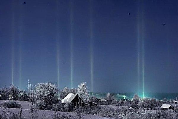 Почему в мороз фонари светят вверх