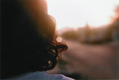 Девушки с короткими волосами спиной на аву в