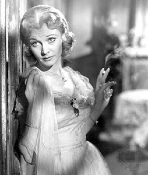 a streetcar named desire blanche dubois essay Here is a free critical essay sample based on a play 'streetcar named desire', please review to get a better understanding on how to write critical essays.