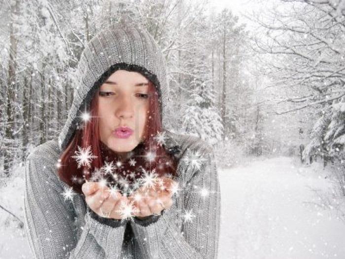 без тебя одна снежинки белые ловлю
