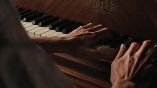 какая мелодия играет в фильме пианист