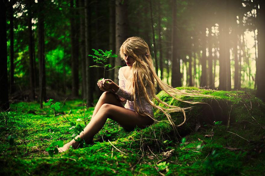 Как сделать девушку в лесу