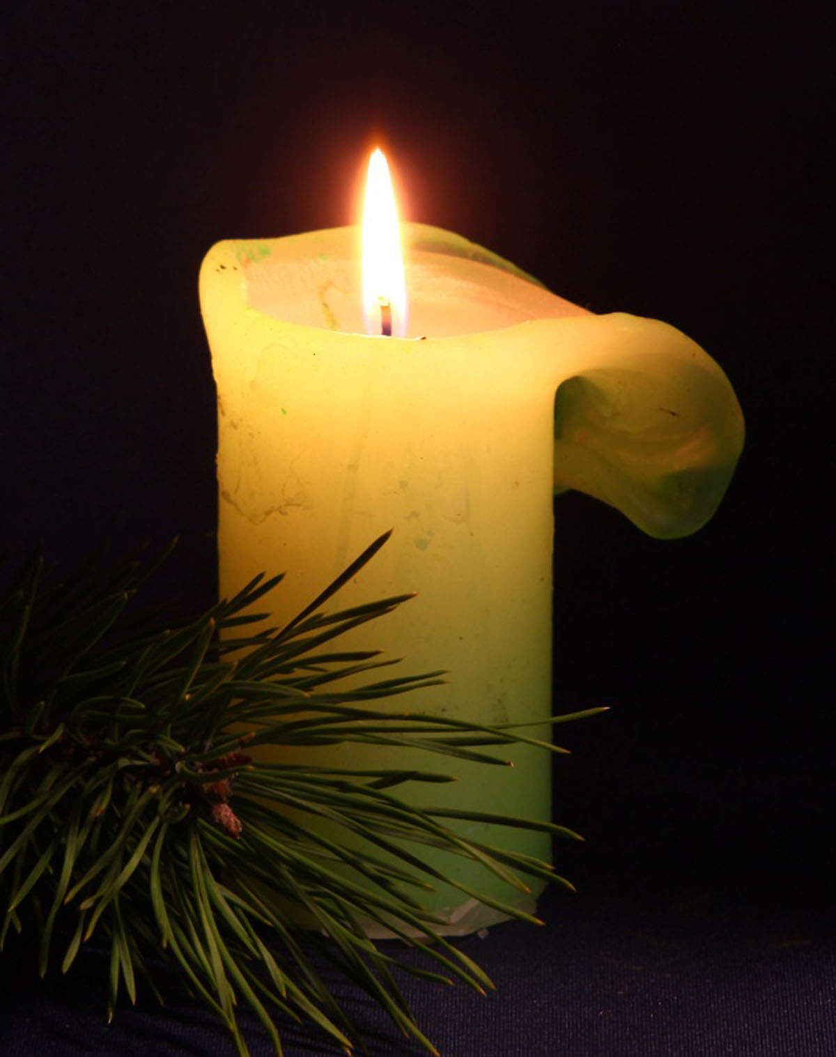 хотелось вам картинки с траурными свечами пуск