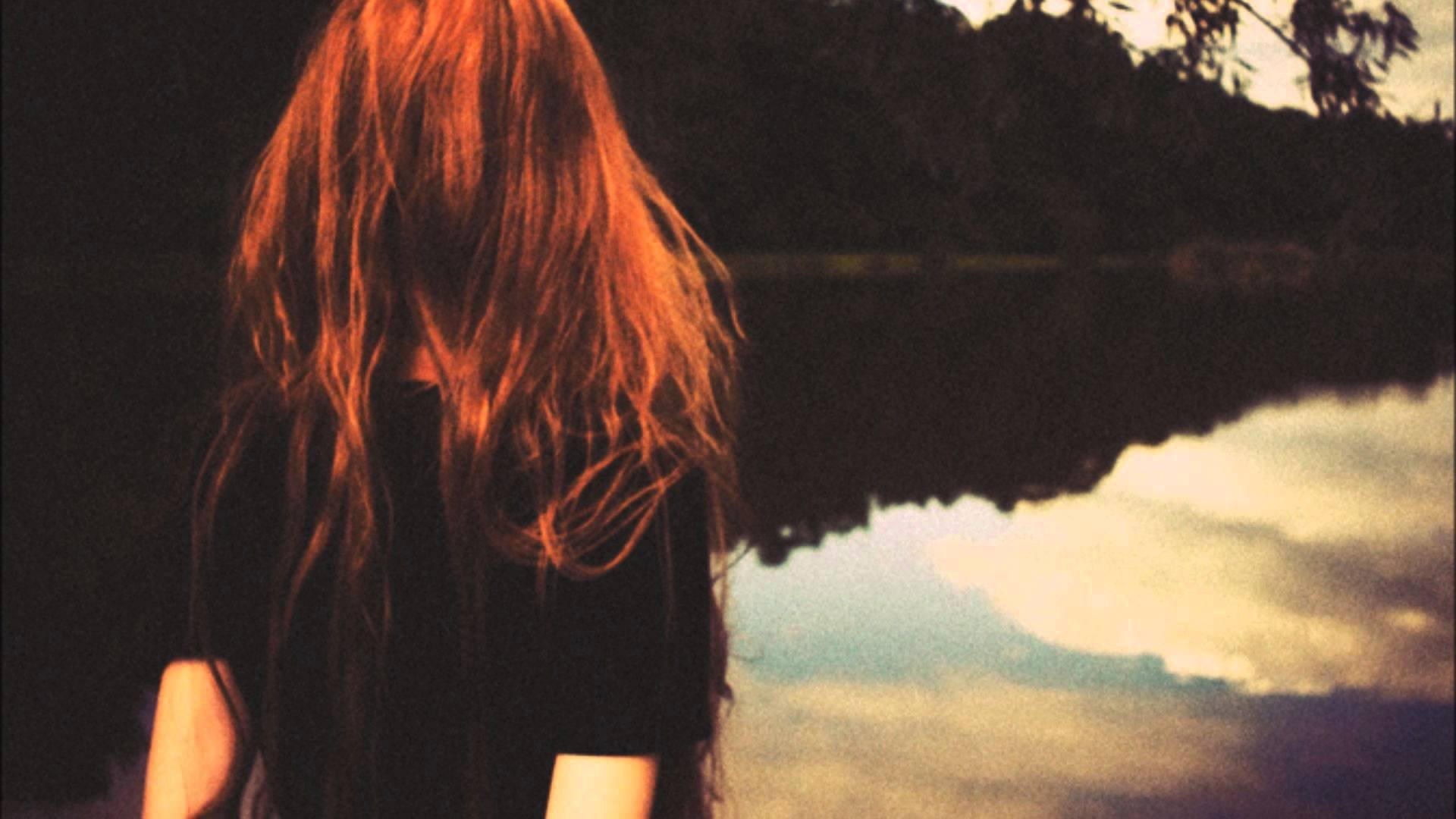 Фото девушек на аву в одноклассники рыжей со спины
