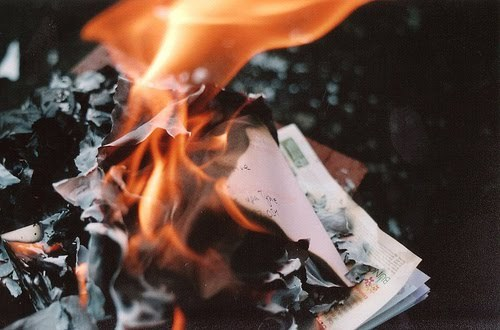 всего будущие можно ли сжигать свои старые фотографии обновление фото фламинго