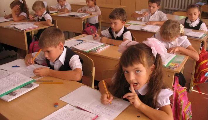 строительстве сколько дней в году учатся школьники Василий