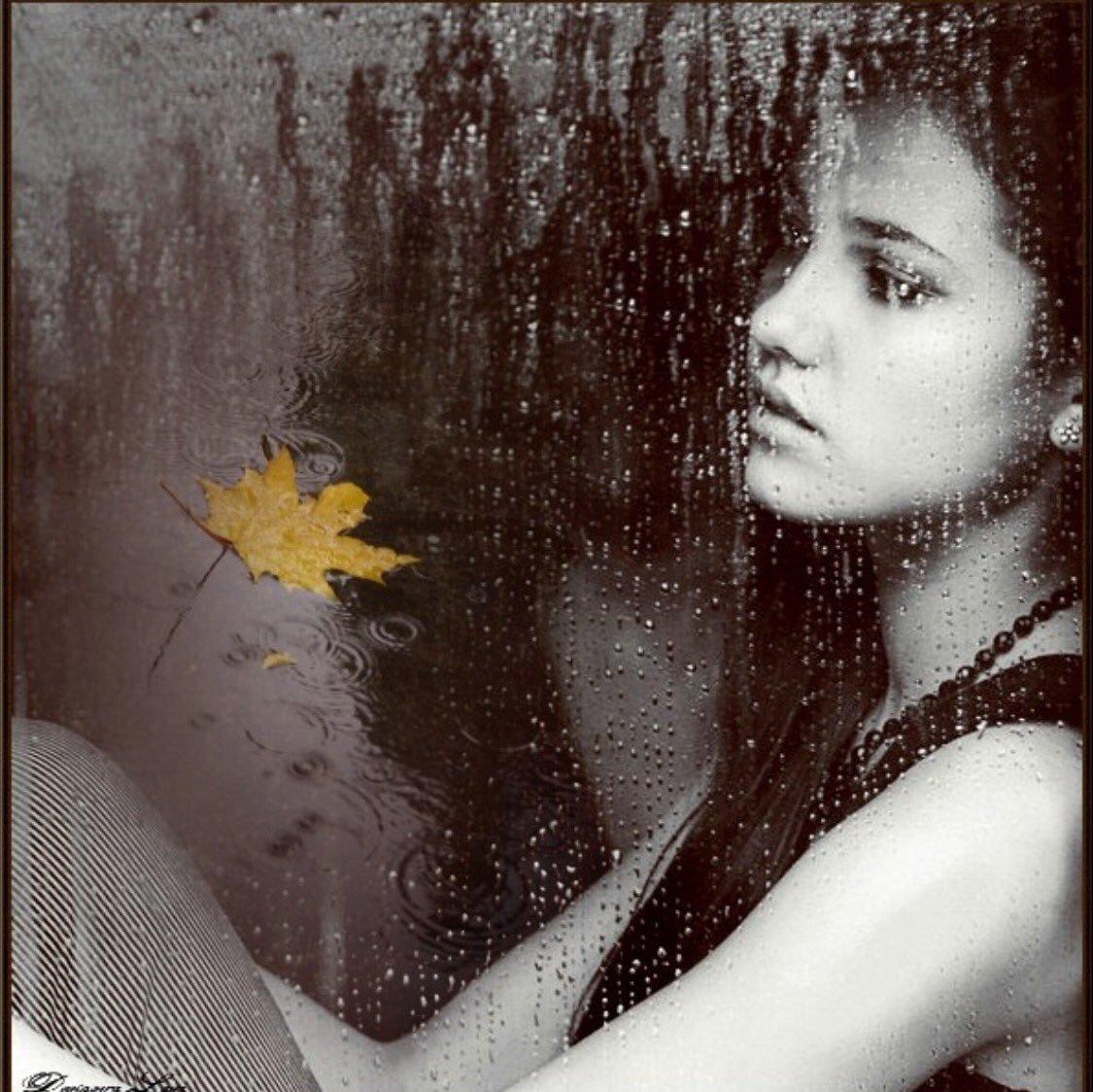 Фото девушка возле окна дождь