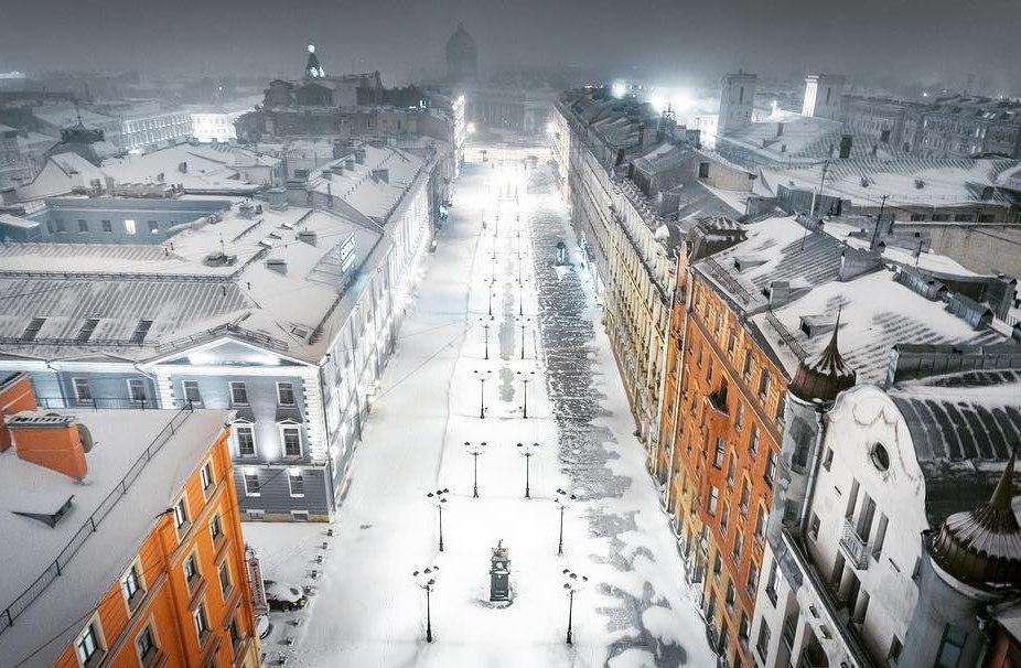 Победа Петербурга: коммунальщики ликвидировали последствия снегопада