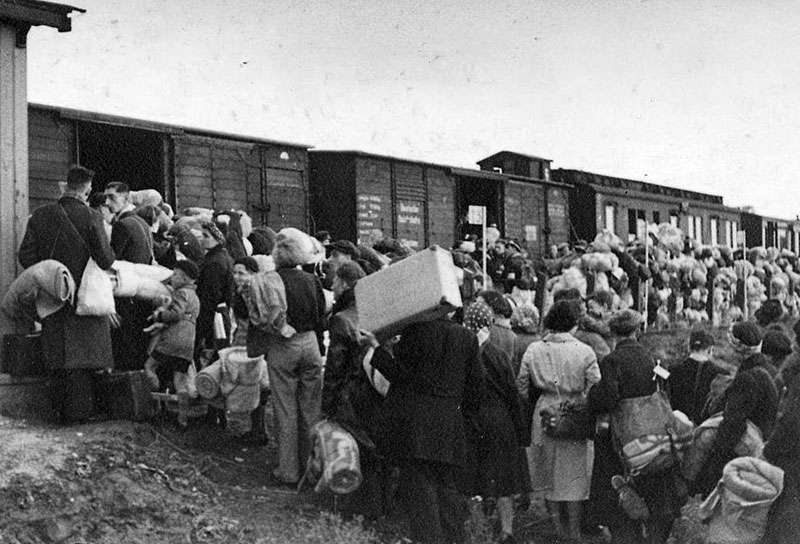 Депортация крымских татар началась 18 мая 1944 года