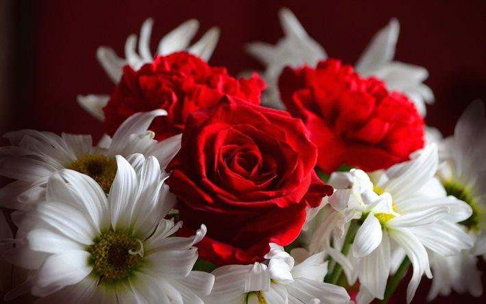 Фото букет цветов розы с ромашками