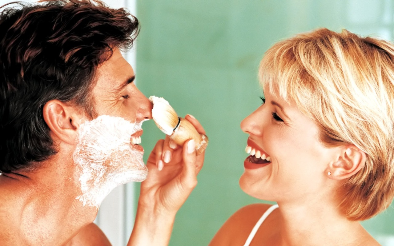 Жена бреет мужу член 31