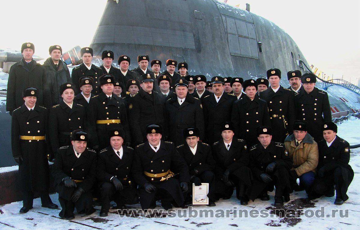 все подводная лодка курск фото экипажа линия талии мужских