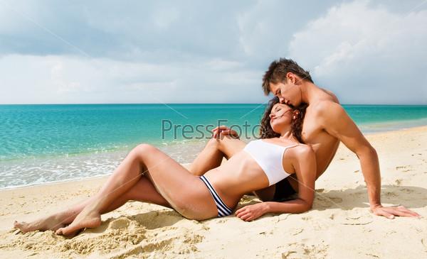 Идеи для фото вдвоем на пляже